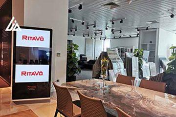 Màn hình quảng cáo LCD 65 inch cho RITA VÕ